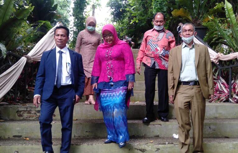Ade Yasin Menghadiri Resepsi Pernikahan Putri dari Mulyana salah – satu Tim Kemenangannya