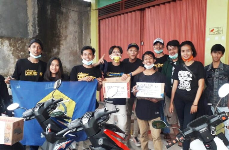 Ikatan Keluarga Besar SMK Dwi Dharma Open Donasi untuk Korban Banjir Cicurug