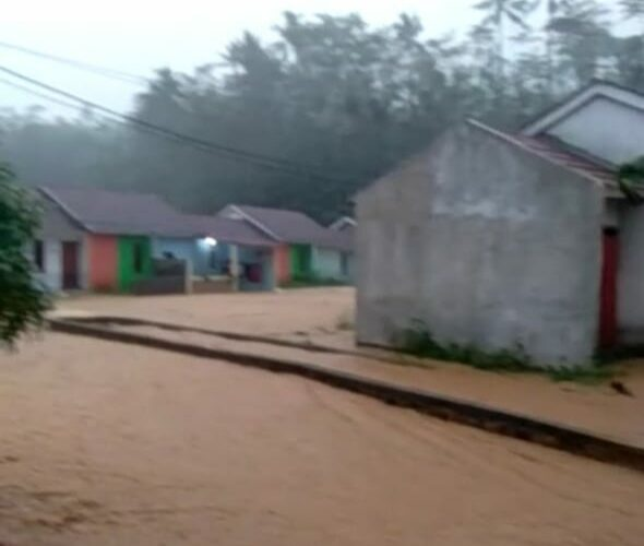 Cicurug kembali dilanda Banjir, Puluhan Hunian Warga Tenggelam